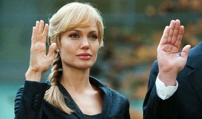 ТОП 10 Лучших фильмов с Анджелиной Джоли