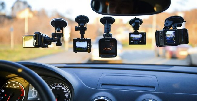ТОП 10 Рейтинг лучших автомобильных видеорегистраторов 2021 года (по отзывам)