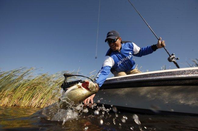 ТОП 10 Эхолотов для рыбалки с лодки 2021