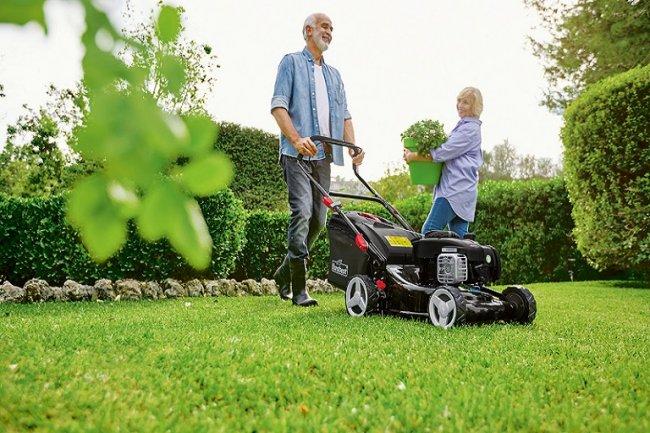 ТОП 10 Лучших газонокосилок, рейтинг 2021 года