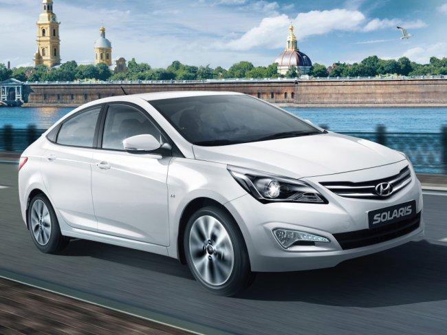 ТОП 10 самых продаваемых автомобилей в России в 2021 году