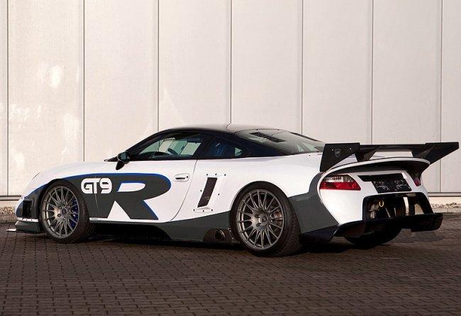 Самые быстрые машины мира в 2021 году