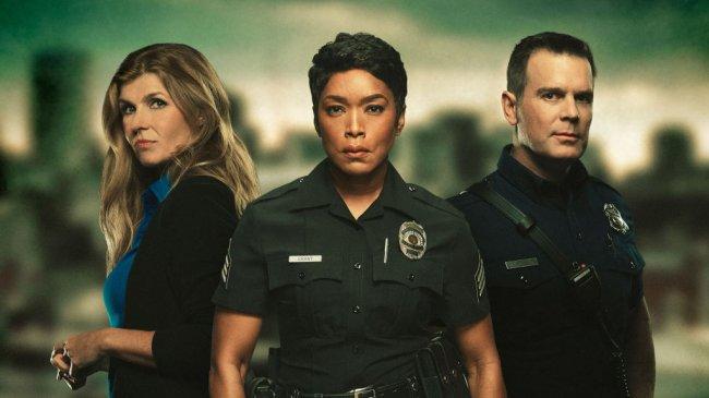 10 интересных сериалов 2021 года