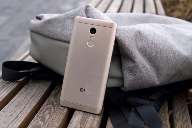 ТОП 10 Самых популярных смартфонов в России в начале 2019 года