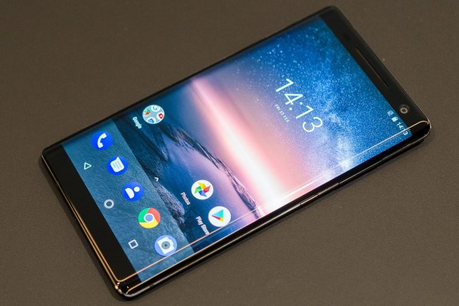 Лучшие смартфоны с изогнутыми дисплеями: что можно купить прямо сейчас?